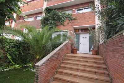 Townhouse in prestigious community of Gava Mar
